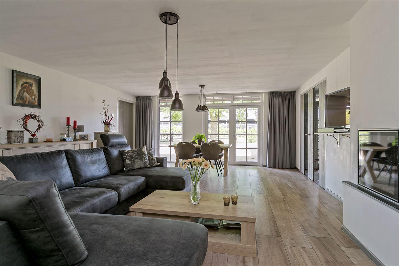 View photo 3 of Venrayseweg 151