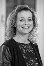 Helmie Klabbers (Real estate agent assistant)