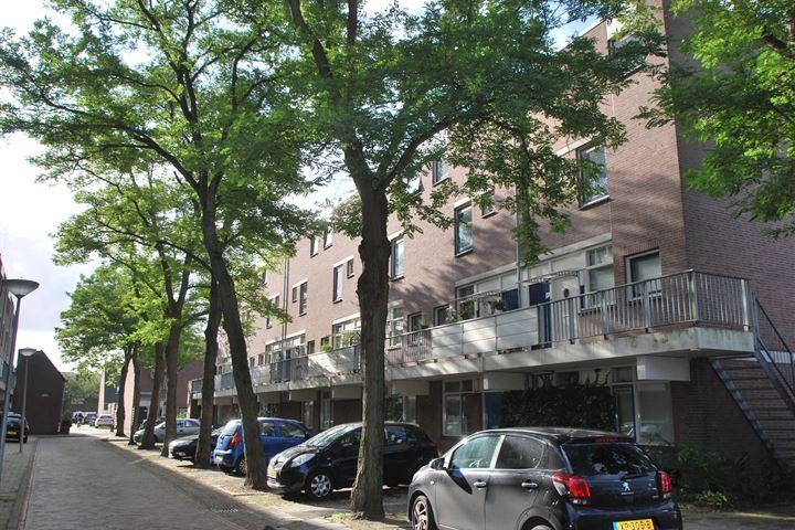 Albert Rousselstraat 45