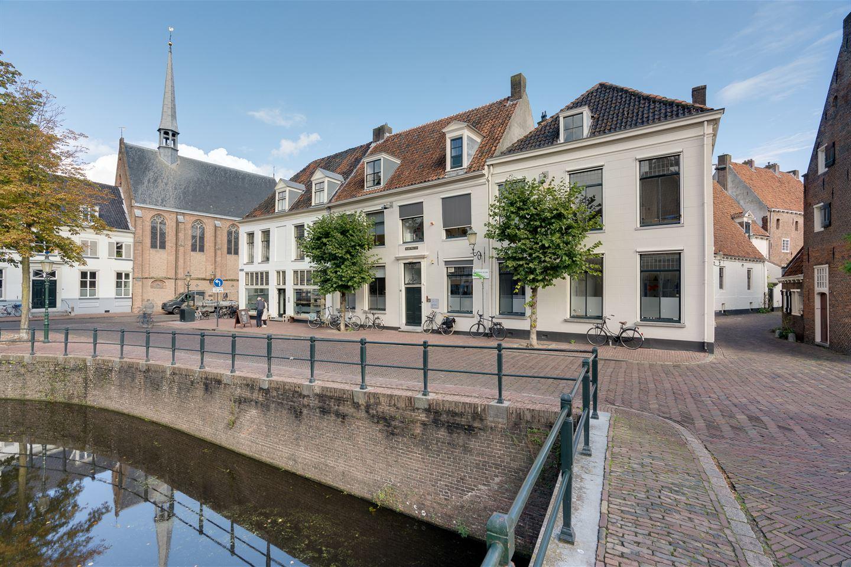 Bekijk foto 1 van Nieuweweg 4 / hoek Muurhuizen