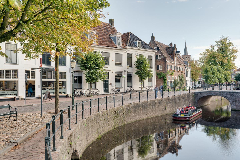 Bekijk foto 2 van Nieuweweg 4 / hoek Muurhuizen