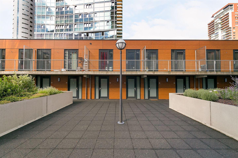 Bekijk foto 2 van Wijnbrugstraat 51