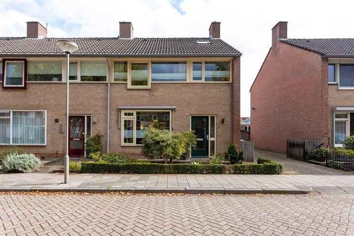 Burgemeester van Claarenbeekstraat 17