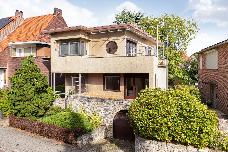 View photo 2 of Lindestraat 136