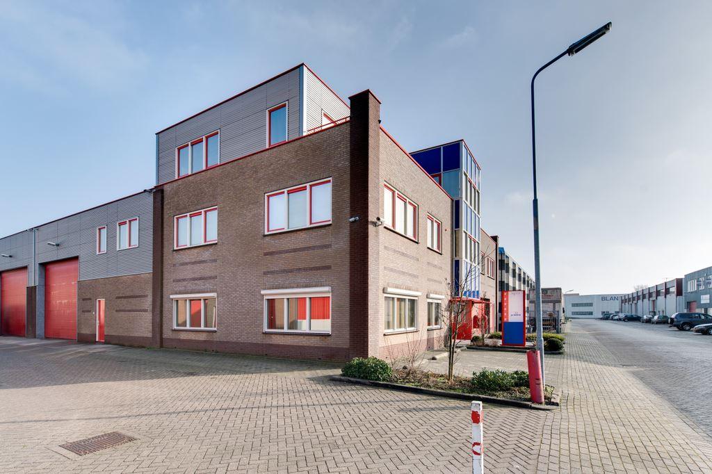 Bekijk foto 2 van Aambeeldstraat 2 *
