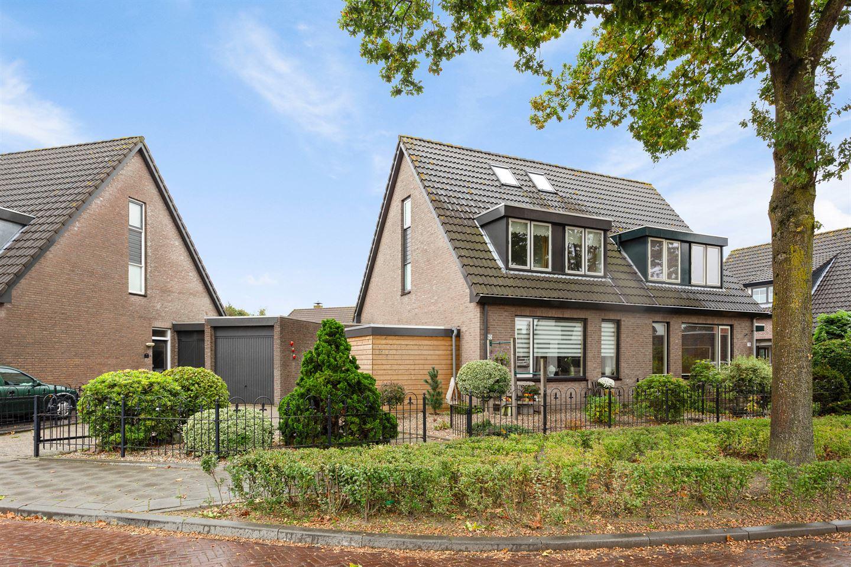 Bekijk foto 3 van Burgemeester van Campenhoutstraat 80