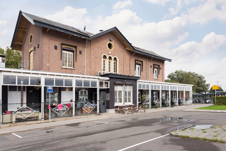 Bekijk foto 1 van Stationsplein 1