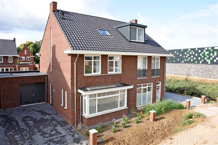 Nelly Sachsstraat 31