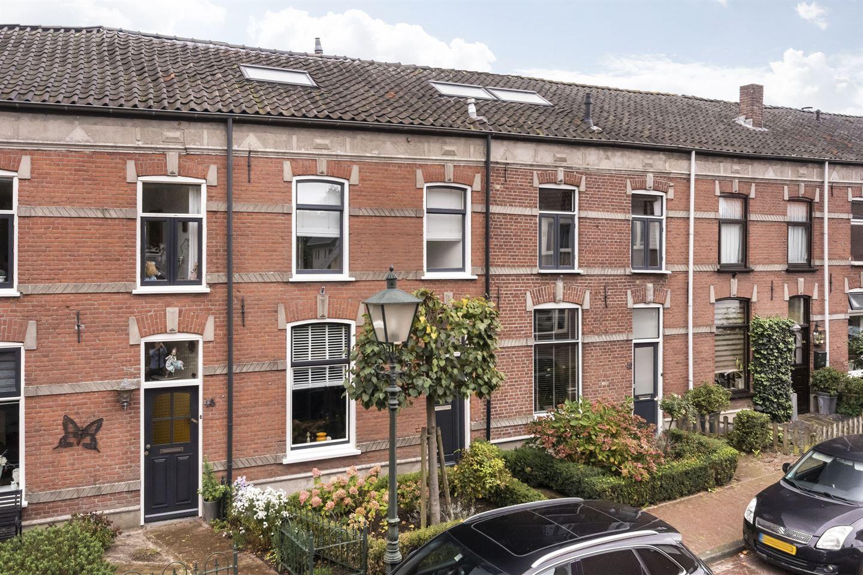 Bekijk foto 1 van Rijnstraat 47