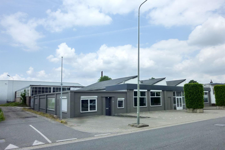 Bekijk foto 1 van Fort Willemweg 14