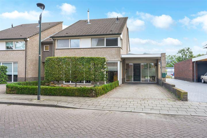 Pastoor Mandersstraat 59