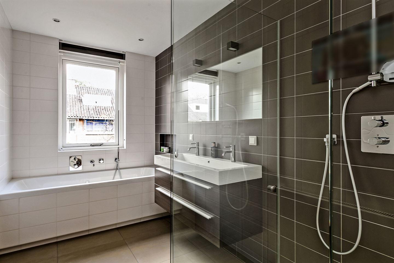 Bekijk foto 2 van Van Tedingerbrouckstraat 9