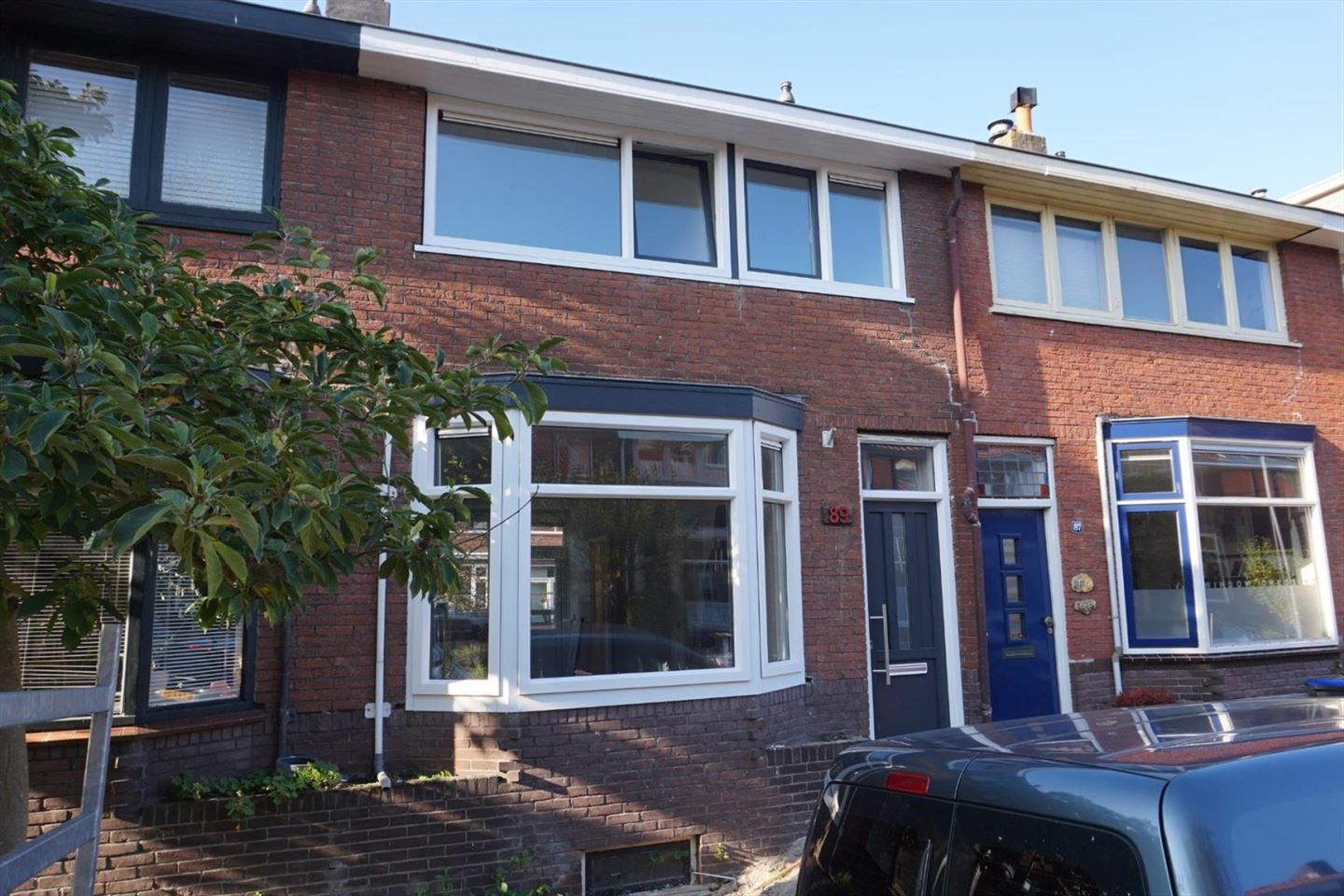 View photo 1 of Floresstraat 89