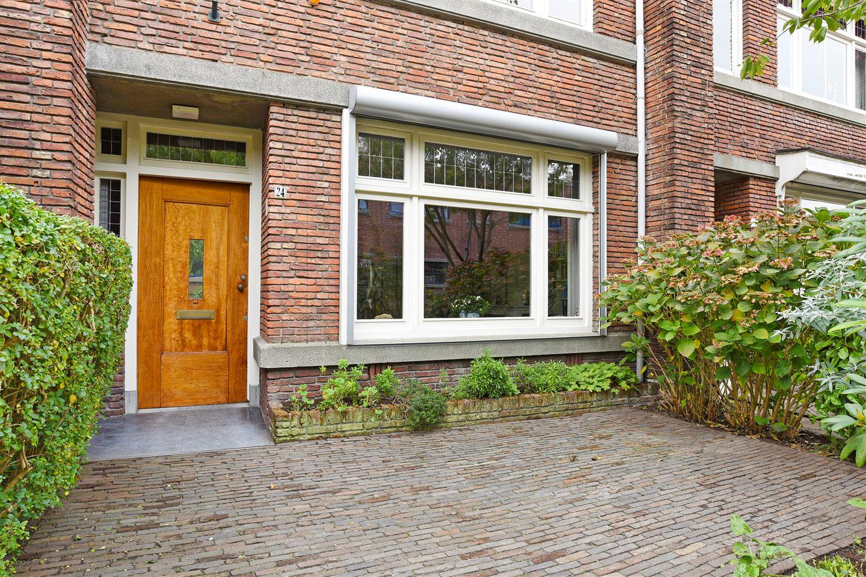 Bekijk foto 2 van Van Diepenburchstraat 24