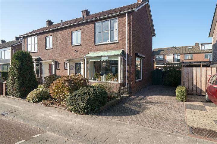Wilhelminastraat 33