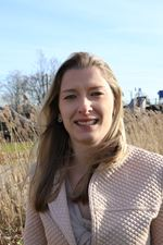 Annemarie Admiraal (Real estate agent assistant)