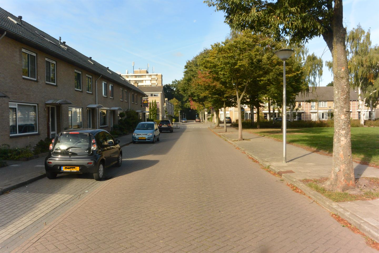Bekijk foto 3 van Neerpeltlaan 15