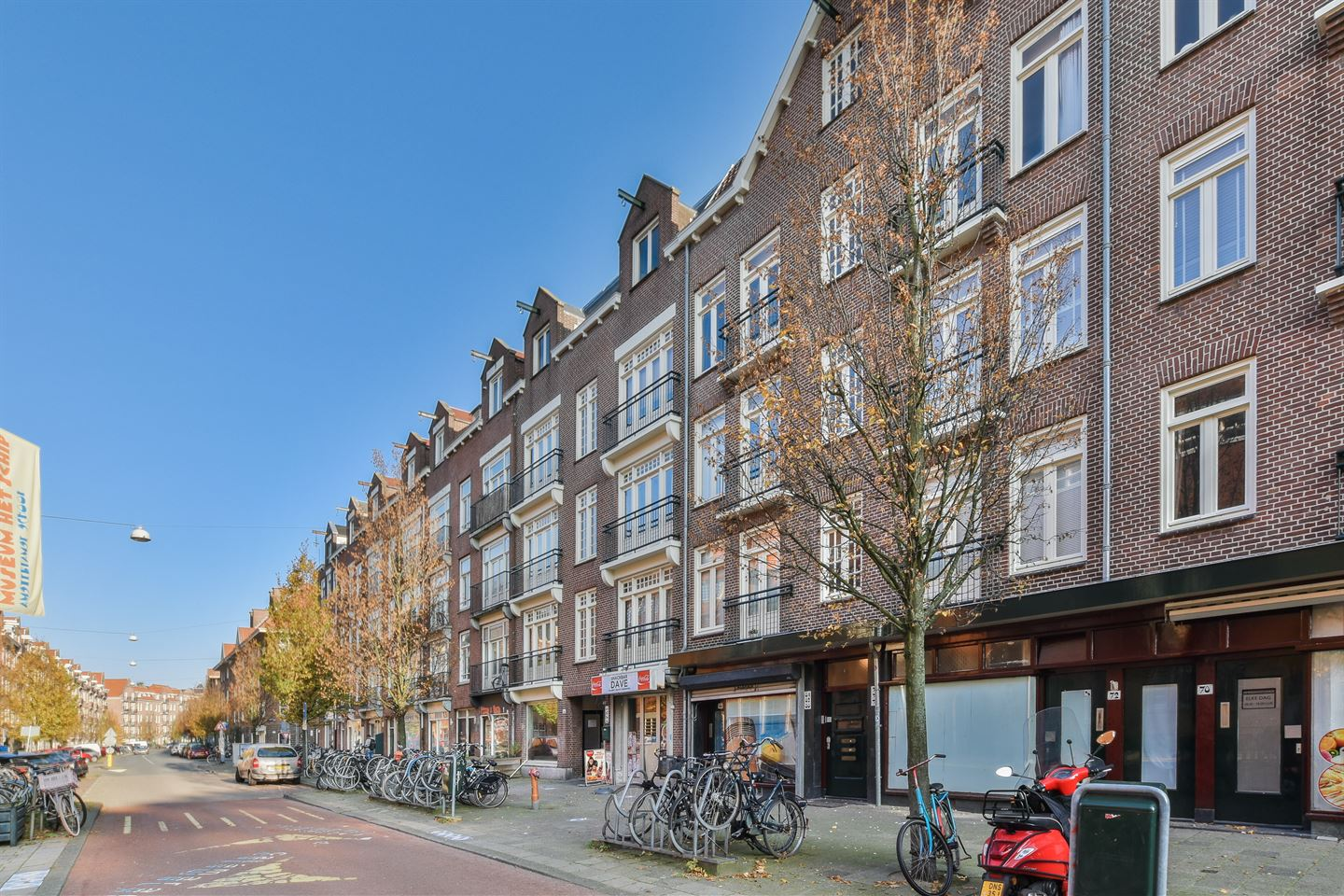 View photo 2 of Oostzaanstraat 80