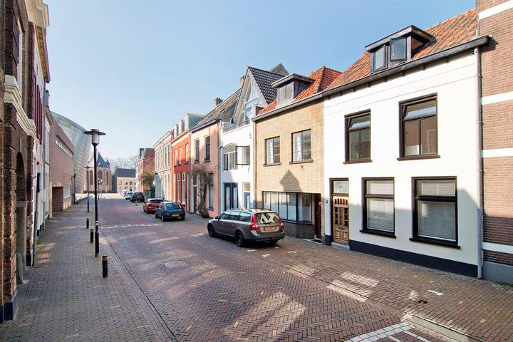 St. Agnietenstraat 27