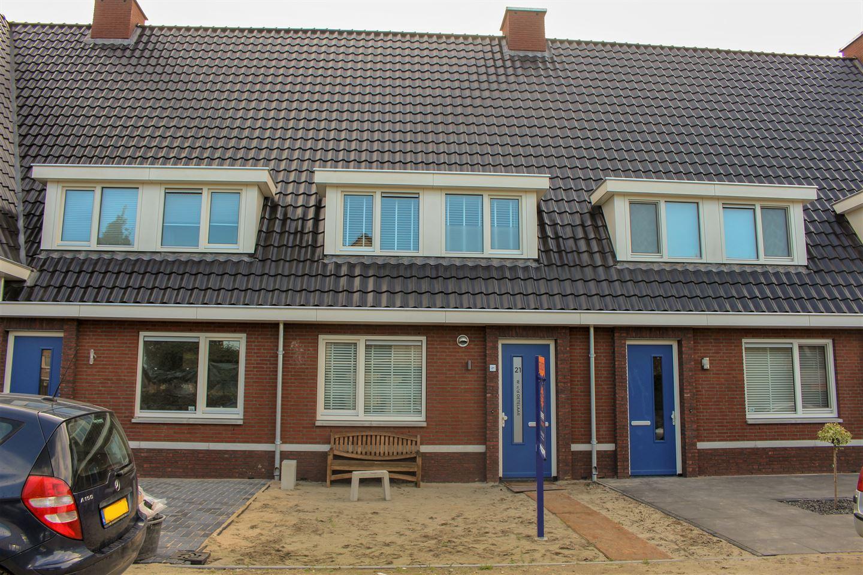Bekijk foto 1 van Van Irhovenstraat 21