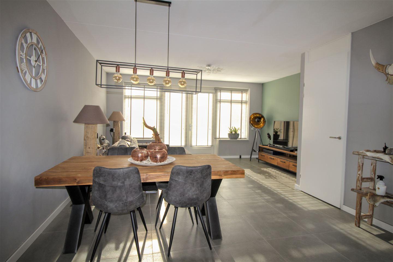 Bekijk foto 2 van Van Irhovenstraat 21