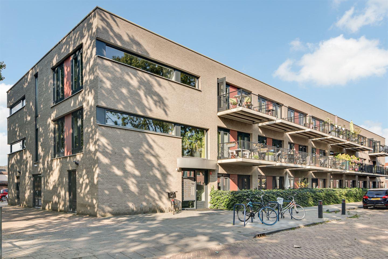 View photo 2 of Hendrik van Tulderstraat 47