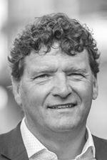 Piet Cazemier, NVM makelaar (Director)