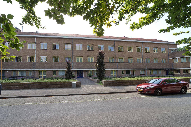 Bekijk foto 2 van Van Hogenhoucklaan 58 N