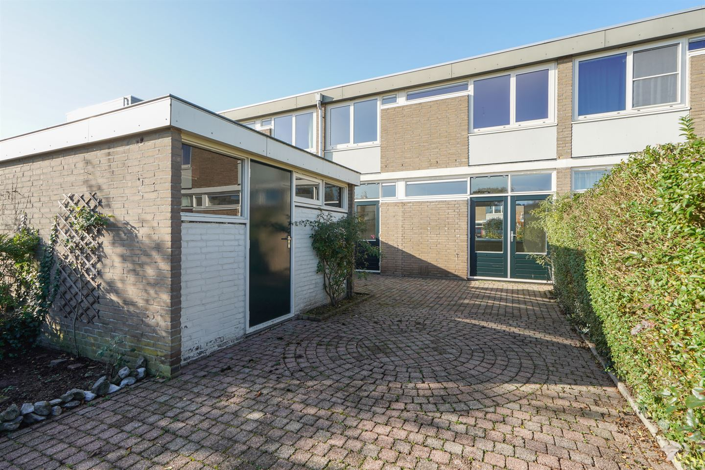 View photo 2 of Gaussstraat 5
