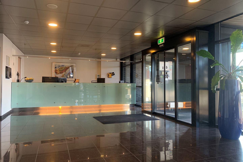 Bekijk foto 5 van Luchthavenweg 10