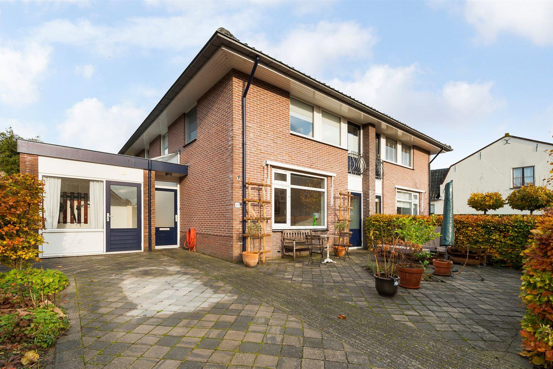 Bekijk foto 1 van Burgemeester van den Boschstraat 67