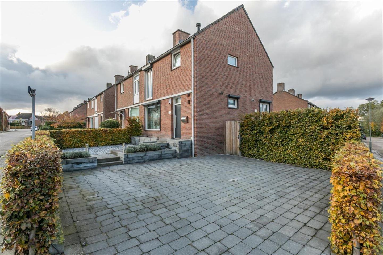 View photo 3 of Brueghelstraat 2