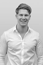 Luc Joosten (Real estate agent assistant)