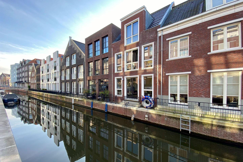Bekijk foto 1 van Dr. R. van Lutterveltstraat 8