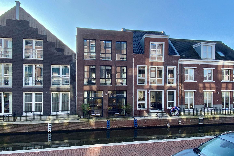 Bekijk foto 2 van Dr. R. van Lutterveltstraat 8