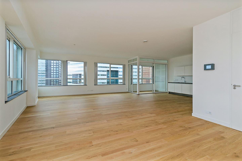 Bekijk foto 1 van Claude Debussylaan (office apartment)