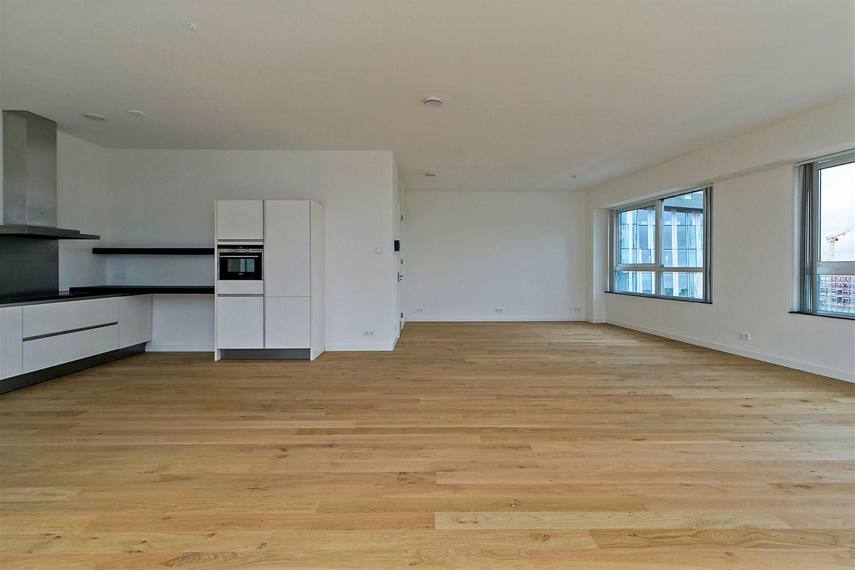 Bekijk foto 5 van Claude Debussylaan (office apartment)