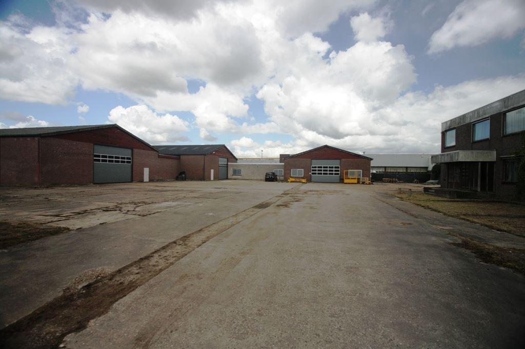 Bekijk foto 1 van Stationsweg 2 b