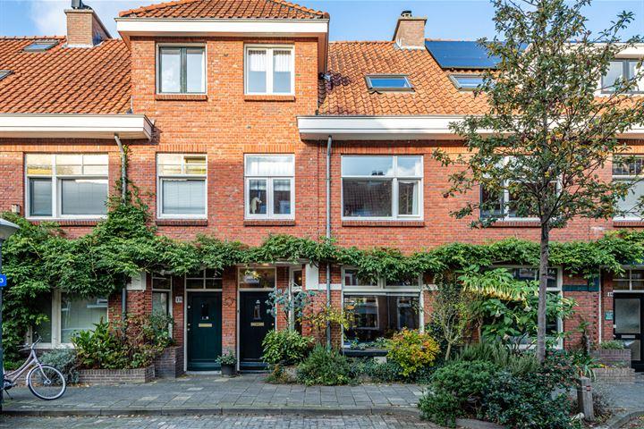Amalia van Anhaltstraat 16