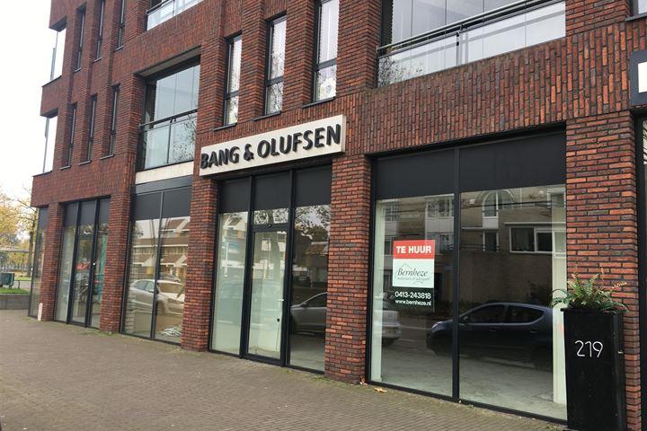 Pastoor Spieringsstraat 215-217, Uden