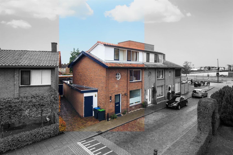 View photo 2 of Ir. De Blocq van Kuffelerstraat 6