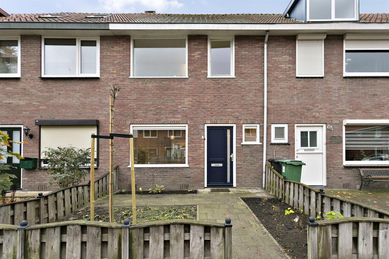 Bekijk foto 1 van Bergen op Zoomstraat 63