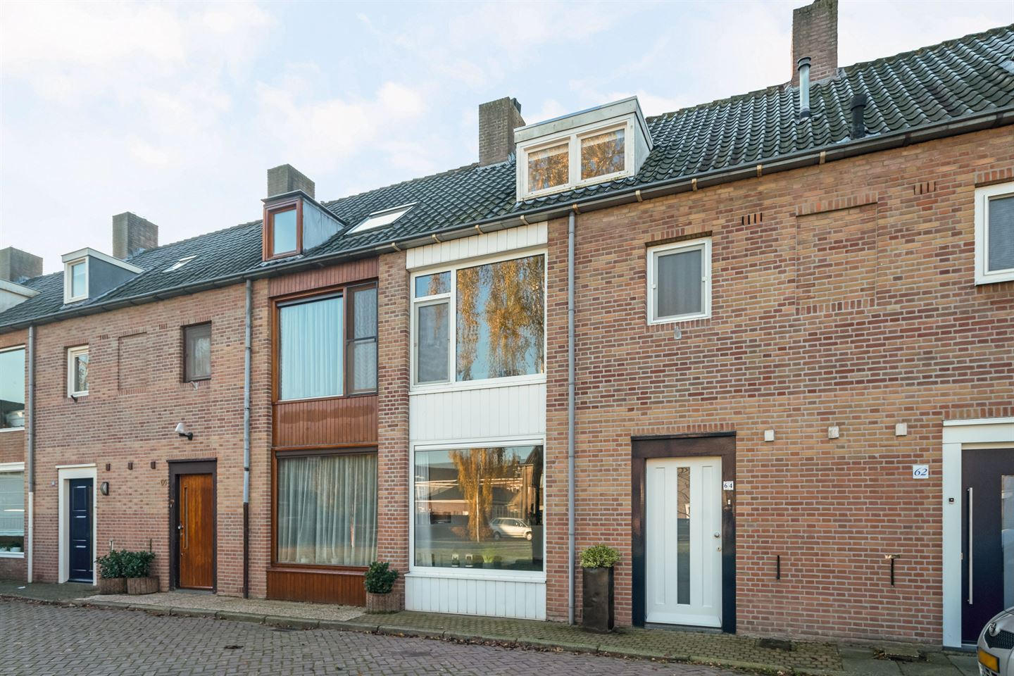 View photo 1 of Ruusbroecstraat 64