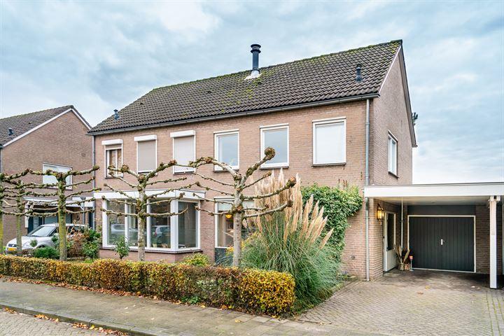 Burgemeester van Claarenbeekstraat 33