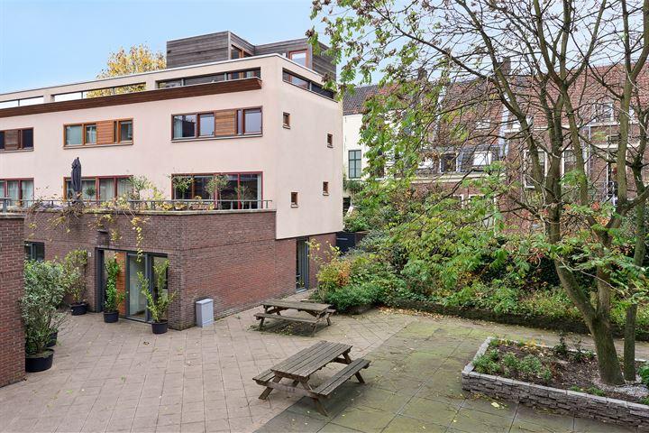 Hof van St.-Jan 9