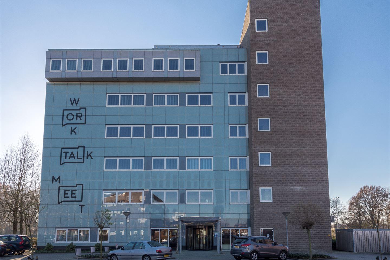 Bekijk foto 1 van Mr E.N. van Kleffensstraat 6