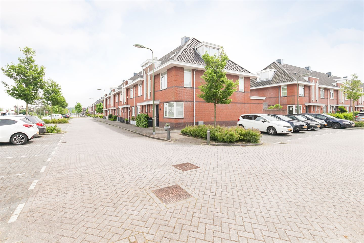 View photo 1 of Noordeinde 14