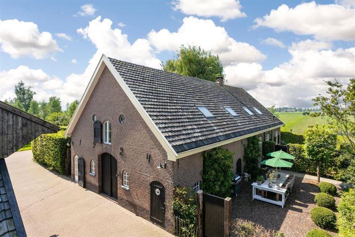 Gooyerdijk 2 *