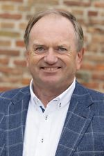 Frits R. Wilbrink RM RT (NVM real estate agent (director))