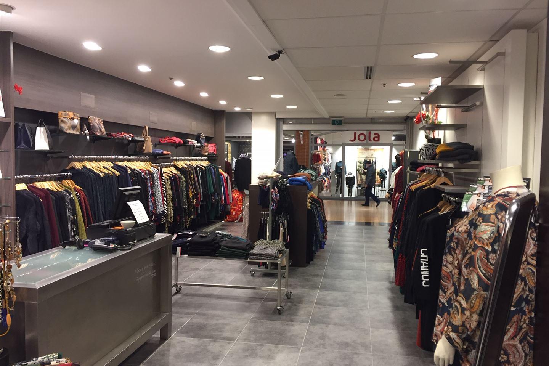 Bekijk foto 4 van Winkelcentrum 42 -1